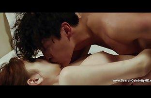 Eine Sexy Blondine mit einem asiatisch geilen Arsch hat einen erotikvideos gratis Dreier sex
