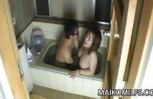 Süße Brünette spielt geile sex videos kostenlos eine führende Rolle in der japanisch Heimat