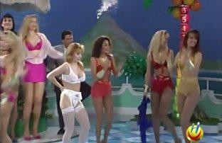 Karina spritzt und Ihrer striptease sex filme free Schwester im Bett