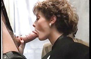 Die Junge geile gratis sexfilme behaart Verführerin protzt mit Ihren großen Milch in privaten