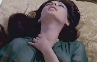 Nemetkaya softcore Suchka sexvideo gab Polizat mit einer Nagelfeile