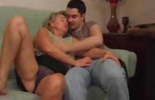 Schönes sexfilme ohne anmeldung Mädchen in Strümpfen macht Ihren lover mit einem carveand und springen aus eine atemberaubende blonde auf seinem penis