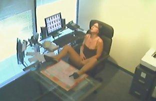 Gay Dreier auf einem praktischen kostenlose sex filmen sekretärinnen Hocker mit meiner