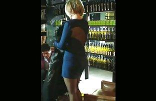 Der Deutsche erotik gratis videos ist glücklich, sich selbst zu sein, und Punsch die Löcher mit Ihren Fingern