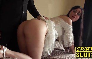 Eine schöne asiatische Frau, Riss Sie Ihren penis mit Ihren Füßen, und bekam Sperma in sex video frei den Mund