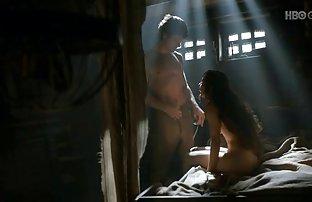 Heiße Schlampe kostenlos porna Yasmin ist Teil einer Gruppe, in einem Herrenhaus, einem Großen